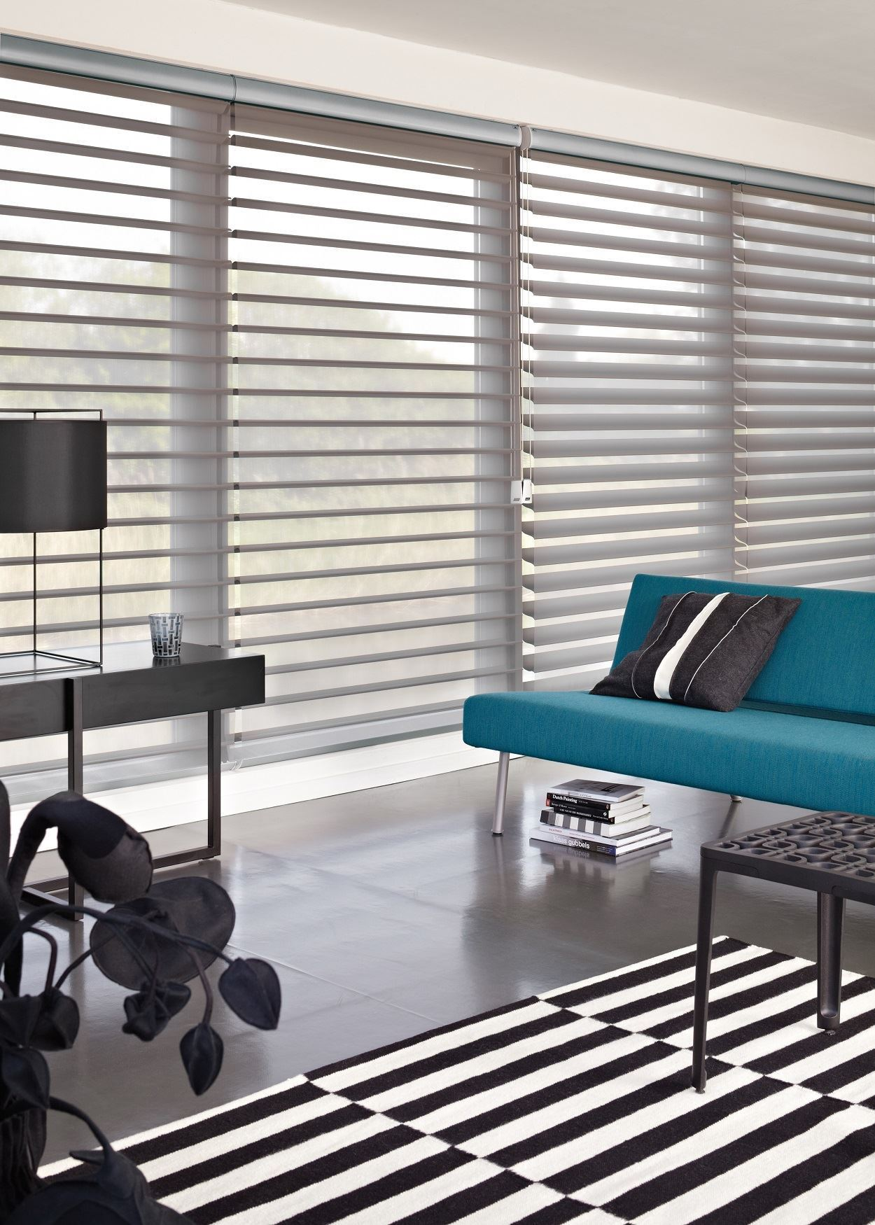 Afbeelding van Luxaflex® Silhouette Shades 75 mm met eindlooskoord