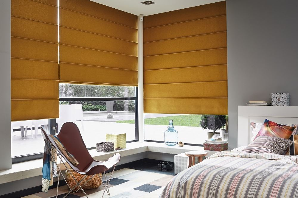 Afbeelding van Luxaflex® Roman Shades met voering & koordbediening en/of Topdown/bottom up