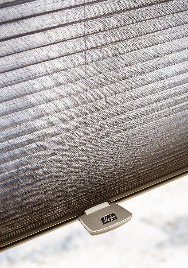 Afbeelding van Luxaflex® Duette Shades 25 mm Top Down Bottom Up& Ingespannen Handgreep